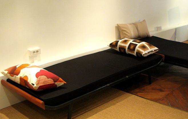 oneninesixone gallery vintage si ges. Black Bedroom Furniture Sets. Home Design Ideas